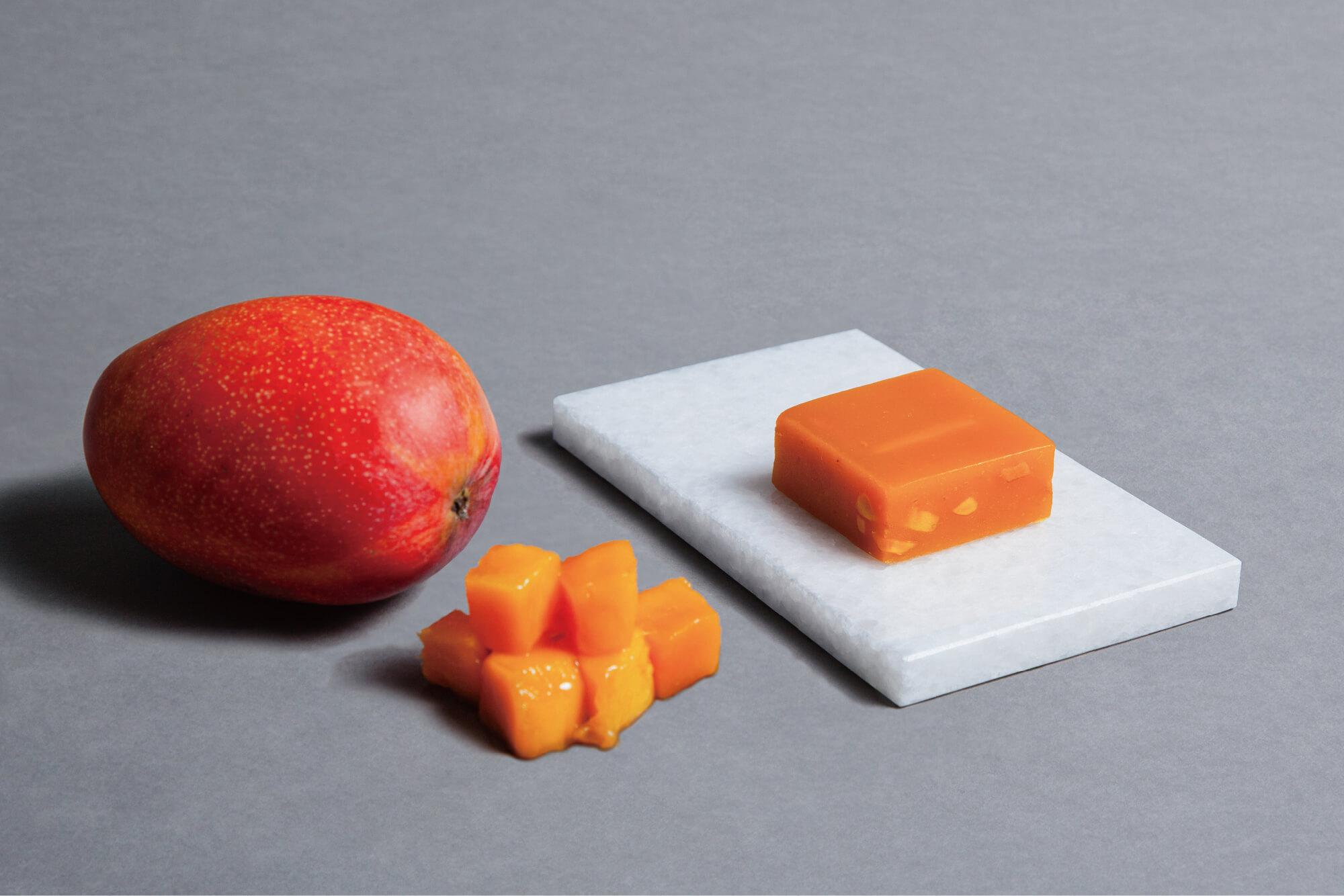 マンゴーとマンゴーのヨウカンカ
